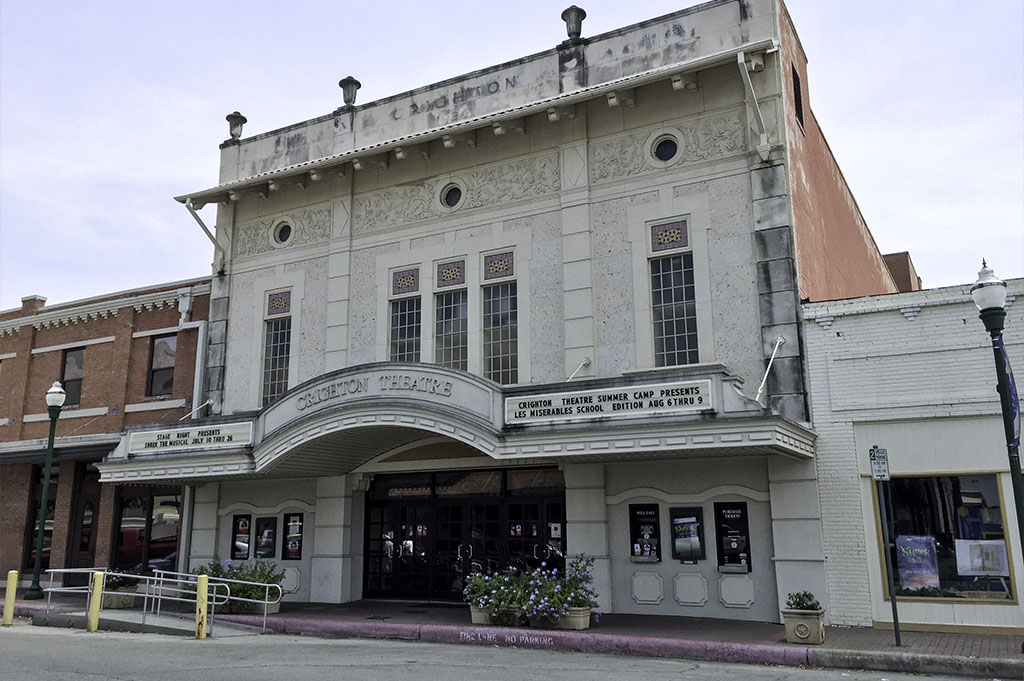 Crighton Theatre Good Eats Conroe Local Trave Guide Mike Puckett DDM 4