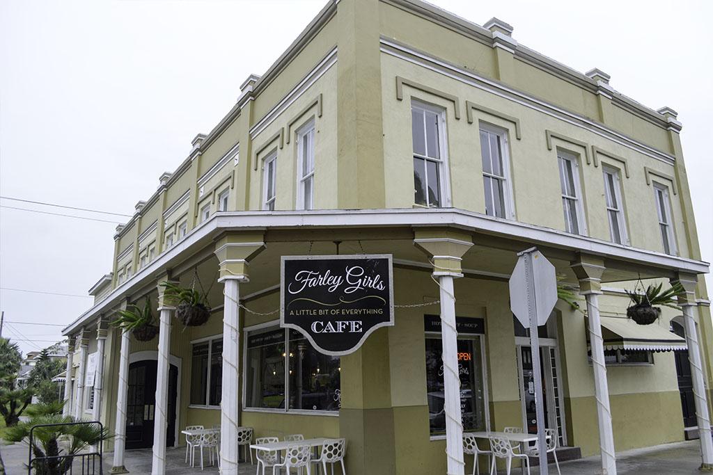 Farley-Girls-Cafe-Good-EatsTexas-Galveston-Good-Eats-Local-Travel-Guide-Logo--Mike-Puckett-DDM 1