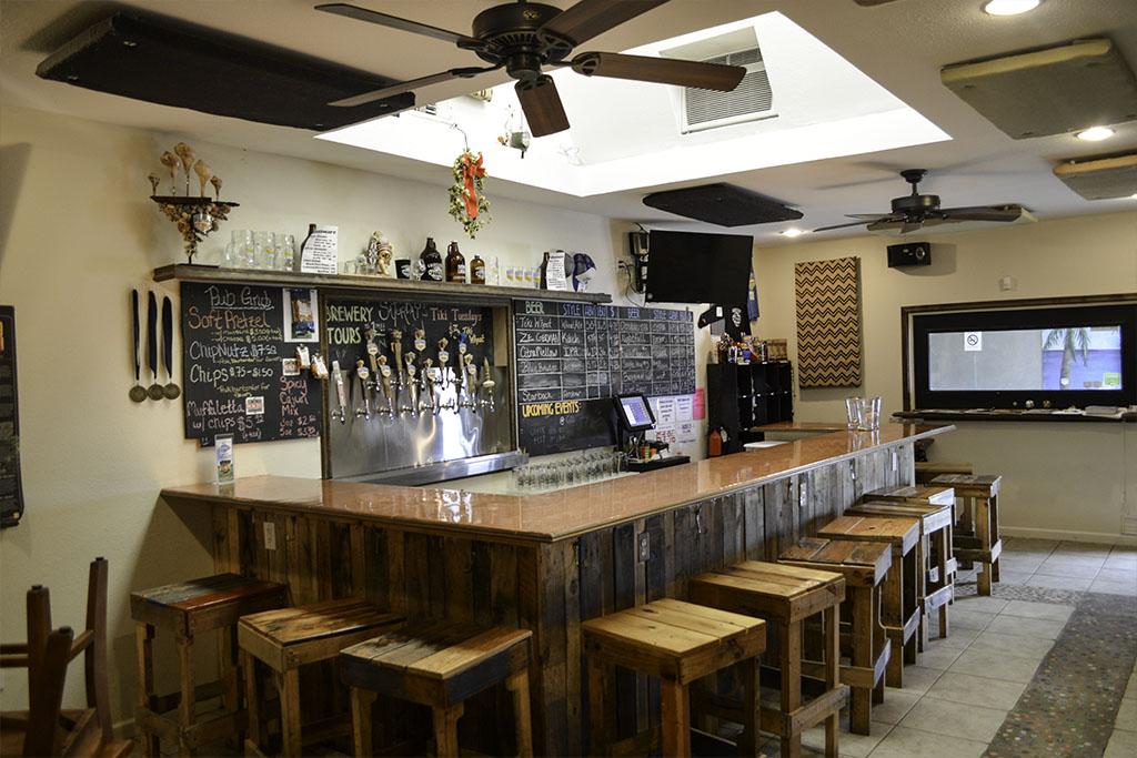Galveston-Island-Brewing-Company-Good-EatsTexas-Galveston-Good-Eats-Local-Travel-Guide-Logo--Mike-Puckett-DDM 1