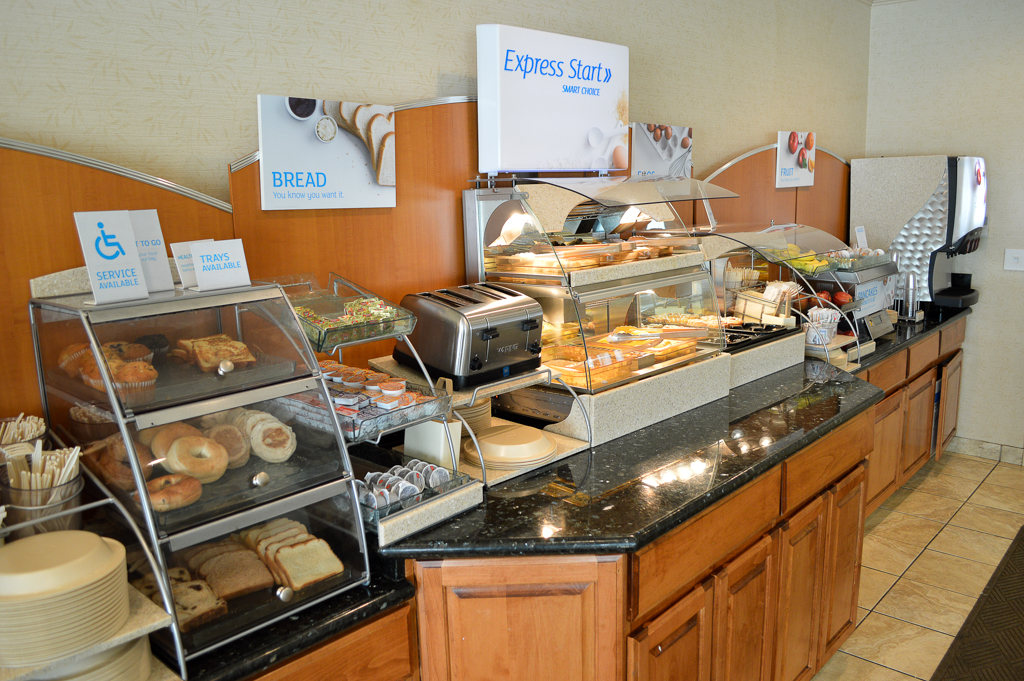 Holiday Inn Express Good Eats Conroe Texas Mike Puckett GEW (15 of 22)