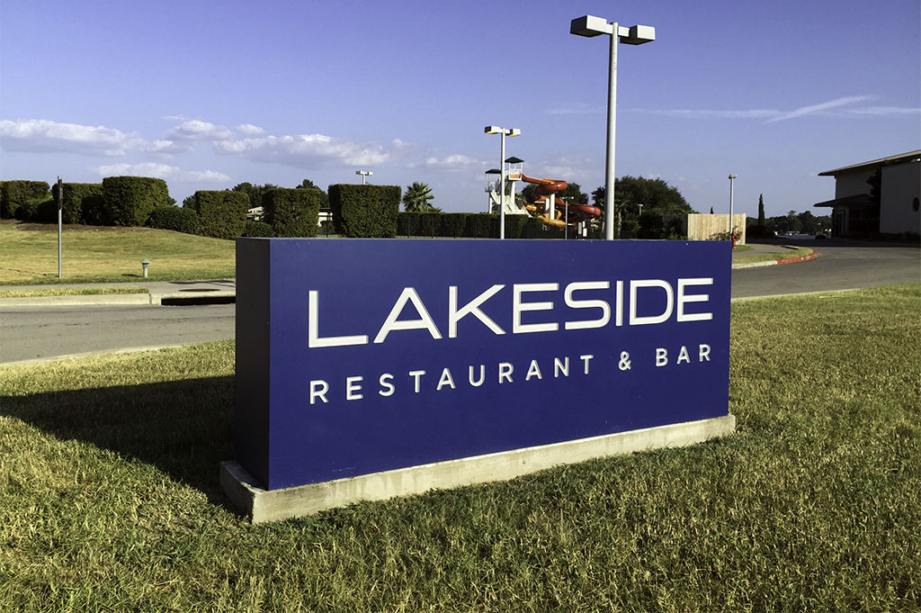 Lakeside Restaurant & Bar Good Eats Conroe Local Travel Guide Mike Puckett DDM 36