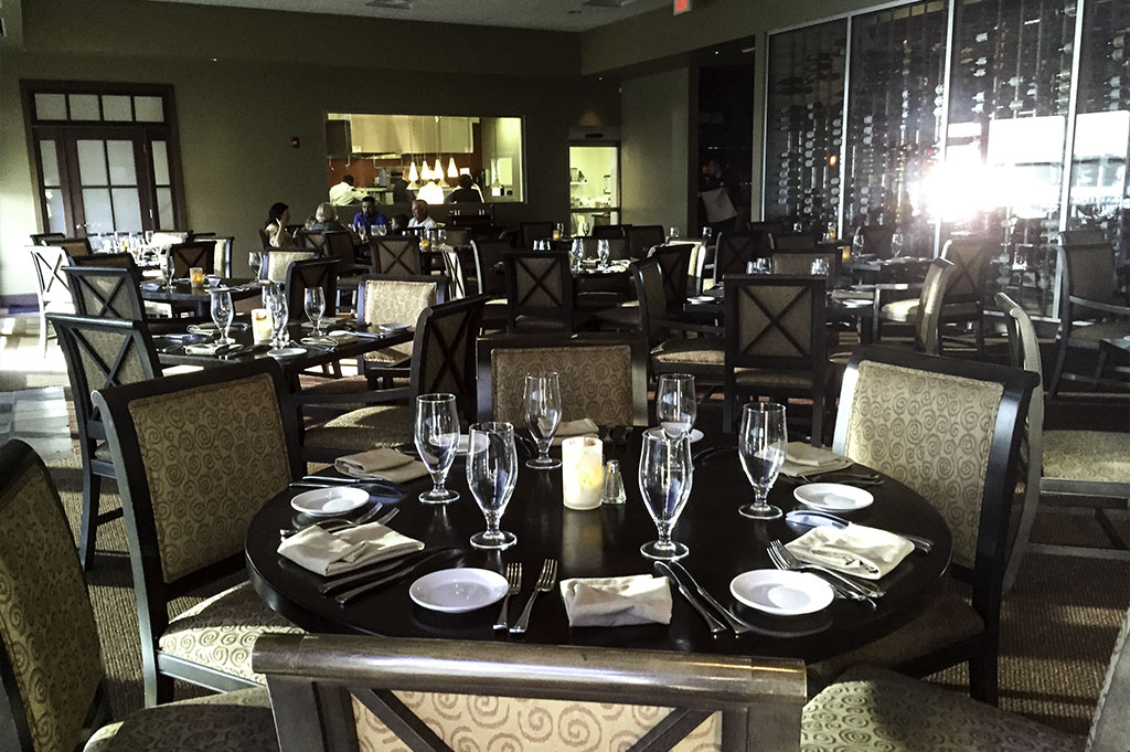 Lakeside Restaurant & Bar Good Eats Conroe Local Travel Guide Mike Puckett DDM 6