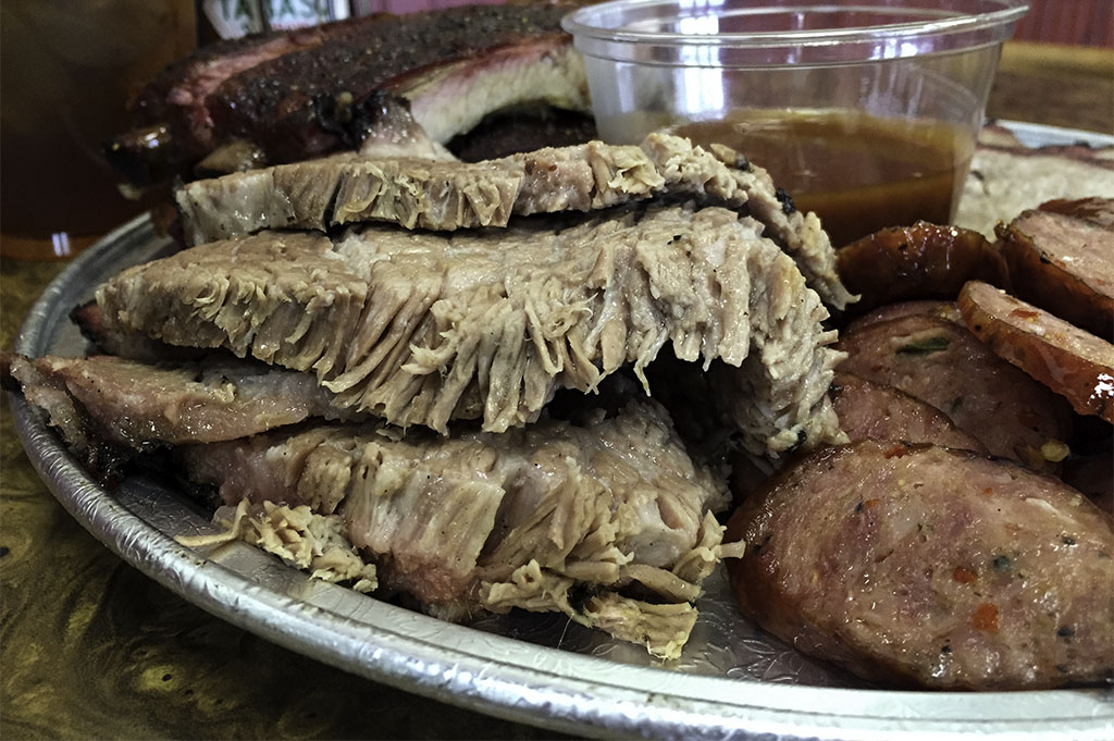 McKenzies Barbecue Good Eats Conroe Local Trave Guide Mike Puckett DDM 22