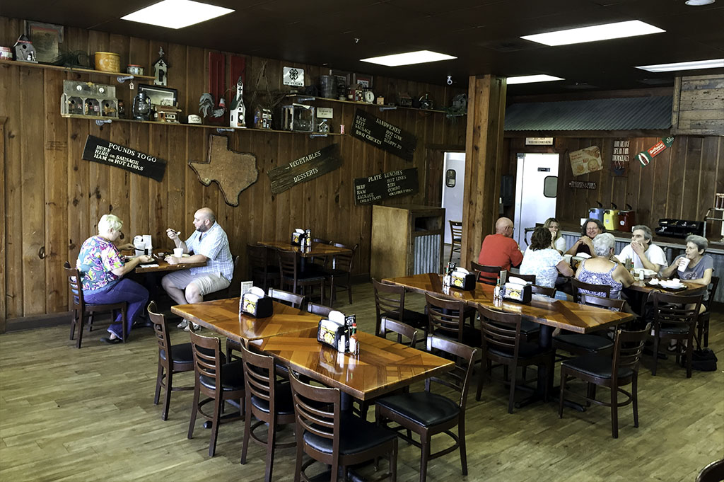 McKenzies Barbecue Good Eats Conroe Local Trave Guide Mike Puckett DDM 5