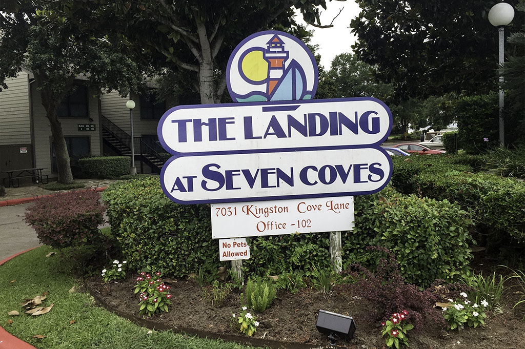 The Landing at Seven Coves Good Eats Conroe Local Travel Guide Mike-Puckett DDM 17