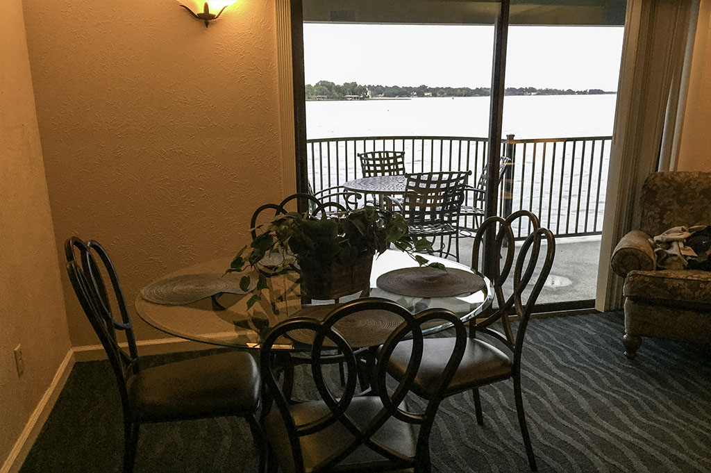 The Landing at Seven Coves Good Eats Conroe Local Travel Guide Mike-Puckett DDM 22
