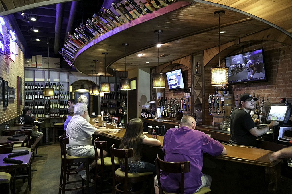 The Red Brick Tavern Good Eats Conroe Local Trave Guide Mike Puckett DDM 6