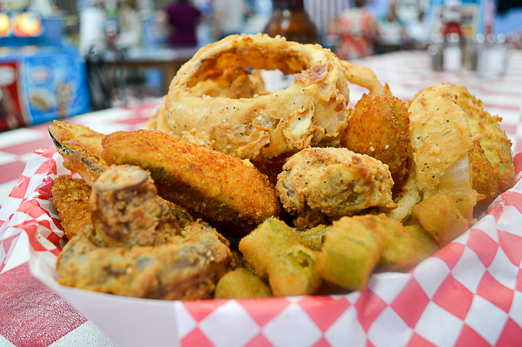 Classics Burgers and Moore Good Eats Kerrville Mike Puckett W (10 of 62)