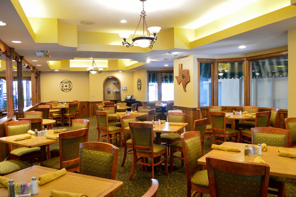 Alpine Lodge Restaurant Good Eats Kerrville Texas Mike Puckett GETW (11 of 22)