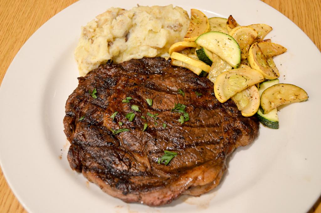 Alpine Lodge Restaurant Good Eats Kerrville Texas Mike Puckett GETW (15 of 22)