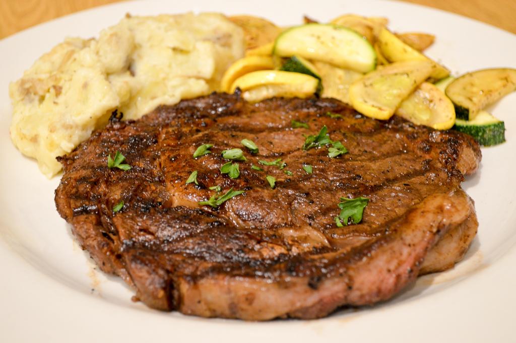 Alpine Lodge Restaurant Good Eats Kerrville Texas Mike Puckett GETW (16 of 22)