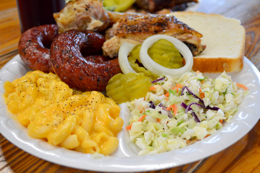 Luling Bar B Q Good Eats Luling Texas Local Mike Puckett GW-18