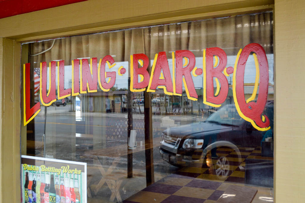 Luling Bar B Q Good Eats Luling Texas Local Mike Puckett GW-5