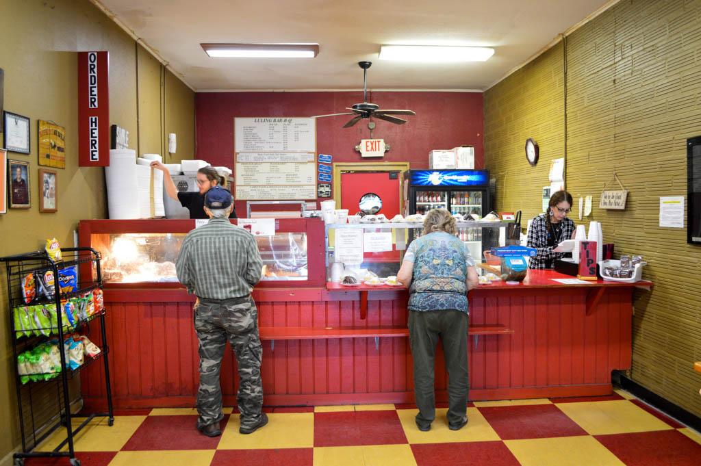Luling Bar B Q Good Eats Luling Texas Local Mike Puckett GW-7
