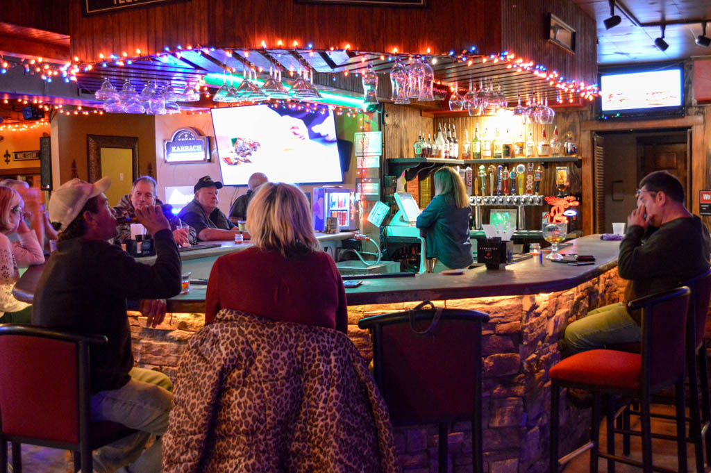 Pier 27 River Lounge Good Eats Kerrville Texas Local Mike Puckett GW-48